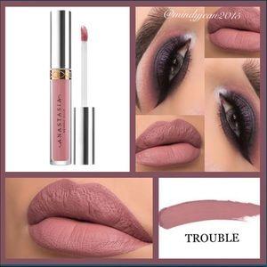 Anastasia Beverly Hills Liquid Lipstick 🖤 TROUBLE
